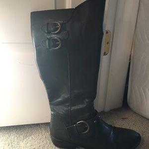 Black b.o.c boots. 8.5M.